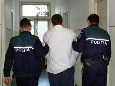 Fiul fostului șef al IPJ Prahova, arestat pentru înșelăciune