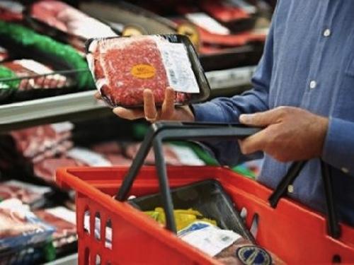 Prahova: 840 de kilograme de carne de mici, infestată cu salmonella