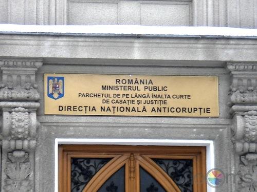 DNA: Trei comisari de la Garda Financiară Teleorman şi un avocat, deferiţi justiţiei