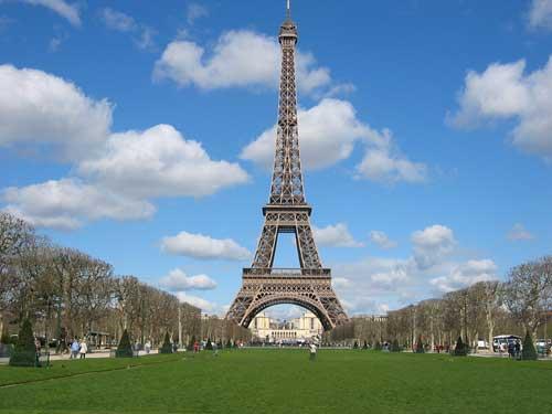 Turnul Eiffel, o construcţie unică