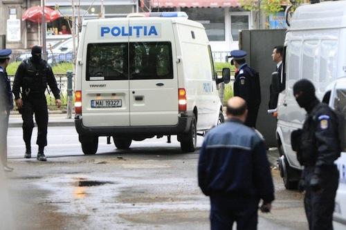 Percheziţii în Bucureşti şi Ilfov pentru combaterea evaziunii fiscale şi contrafacerii de produse