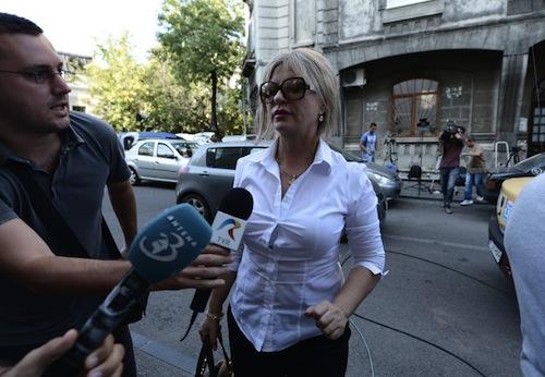 Judecătoarea Veronica Cîrstoiu şi fiul ei rămân în arest. Decizia este definitivă