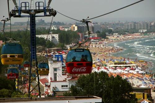 Mamaia: 40 de turiști au rămas blocați în telegondole, la 50 de metri înălțime